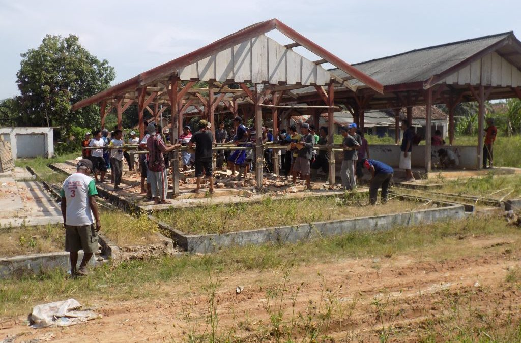 Gotong Royong Pembongkaran Pasar
